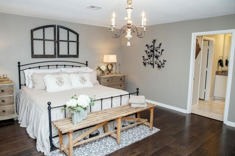 23 Gorgeous Farmhouse Master Bedroom Decor Ideas